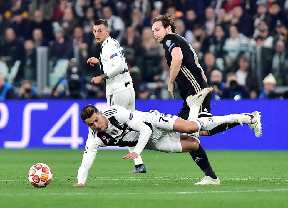 90 phút mang cảm xúc trái ngược của Messi và Ronaldo - Ảnh 8.