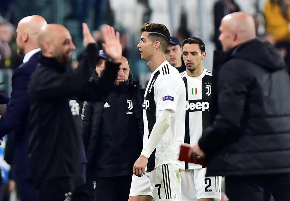 90 phút mang cảm xúc trái ngược của Messi và Ronaldo - Ảnh 12.