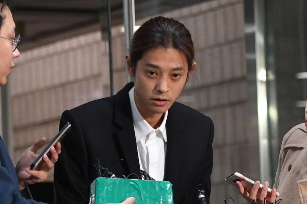 Bê bối tình dục, Jung Joon Young và Choi Jong Hoon bị kết án tù giam - Ảnh 5.