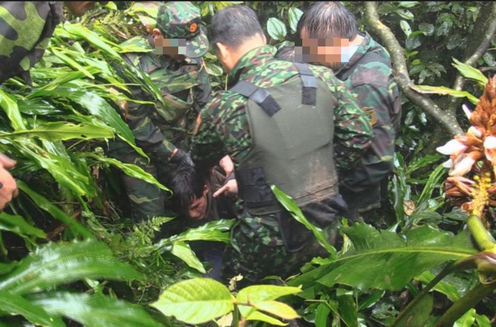 Rùng mình cảnh ma túy đựng trong bao tải, chất thành đống tuồn vào Việt Nam - Ảnh 7.