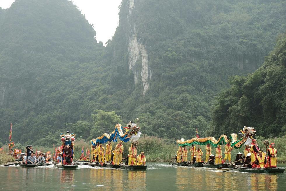 Sông núi hữu tình, hùng vĩ ở Lễ hội Tràng An 2019 - Ảnh 2.