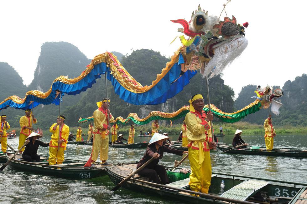 Sông núi hữu tình, hùng vĩ ở Lễ hội Tràng An 2019 - Ảnh 4.