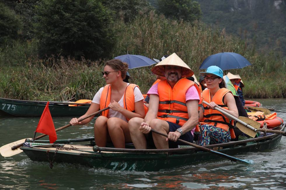 Sông núi hữu tình, hùng vĩ ở Lễ hội Tràng An 2019 - Ảnh 9.