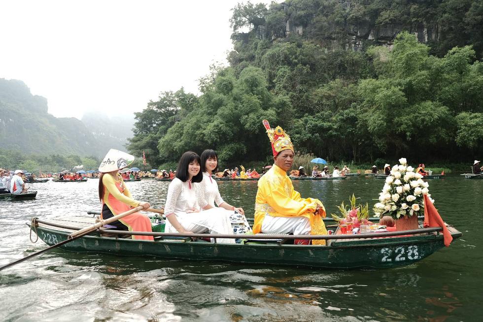 Sông núi hữu tình, hùng vĩ ở Lễ hội Tràng An 2019 - Ảnh 6.