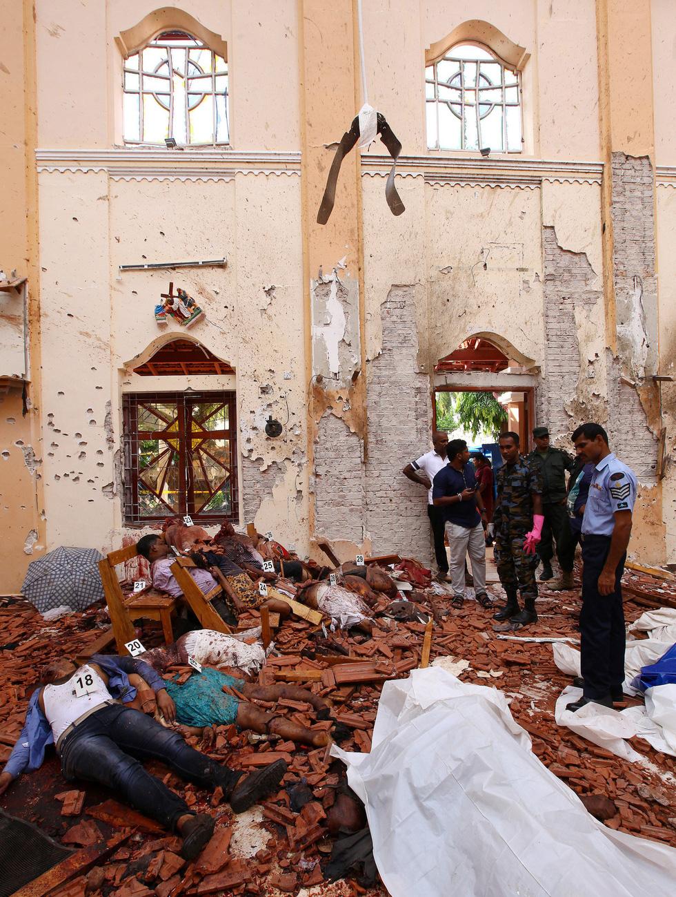 8 vụ đánh bom, 207 người chết 'máu chảy thành sông' tại Sri Lanka - Ảnh 5.