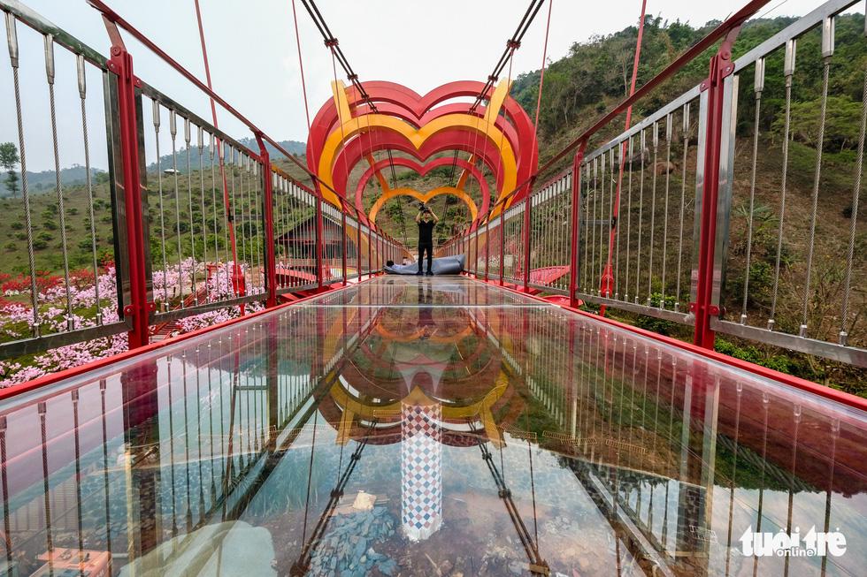 Cầu kính 5D dài 80m đầu tiên tại Việt Nam - Ảnh 7.