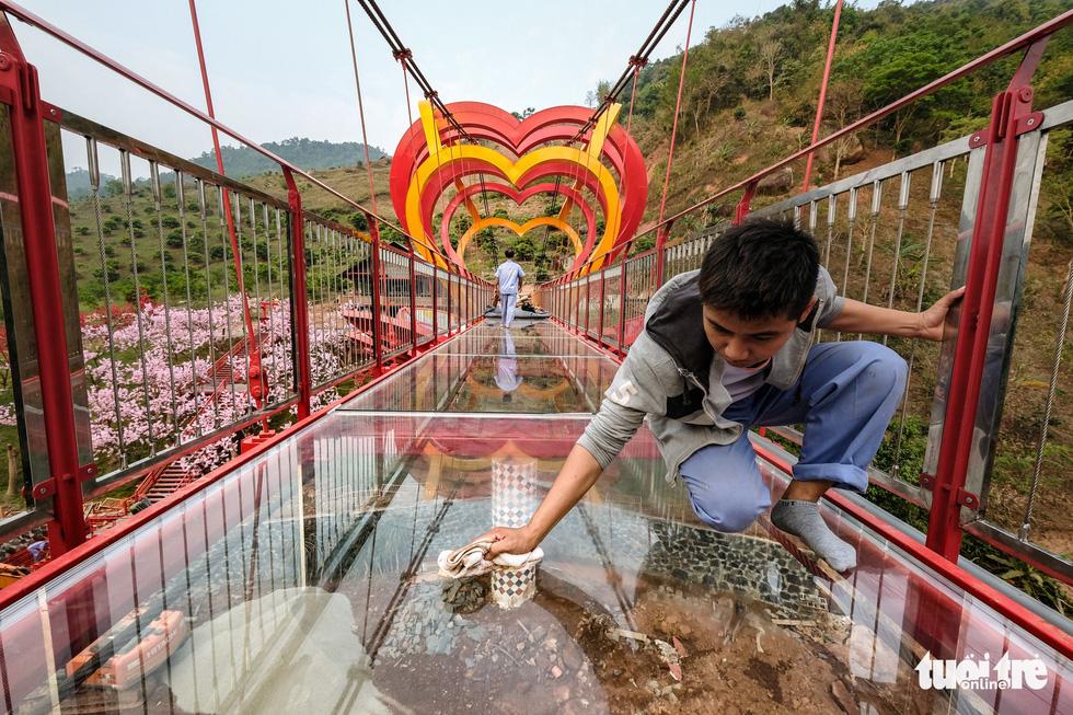 Cầu kính 5D dài 80m đầu tiên tại Việt Nam - Ảnh 14.