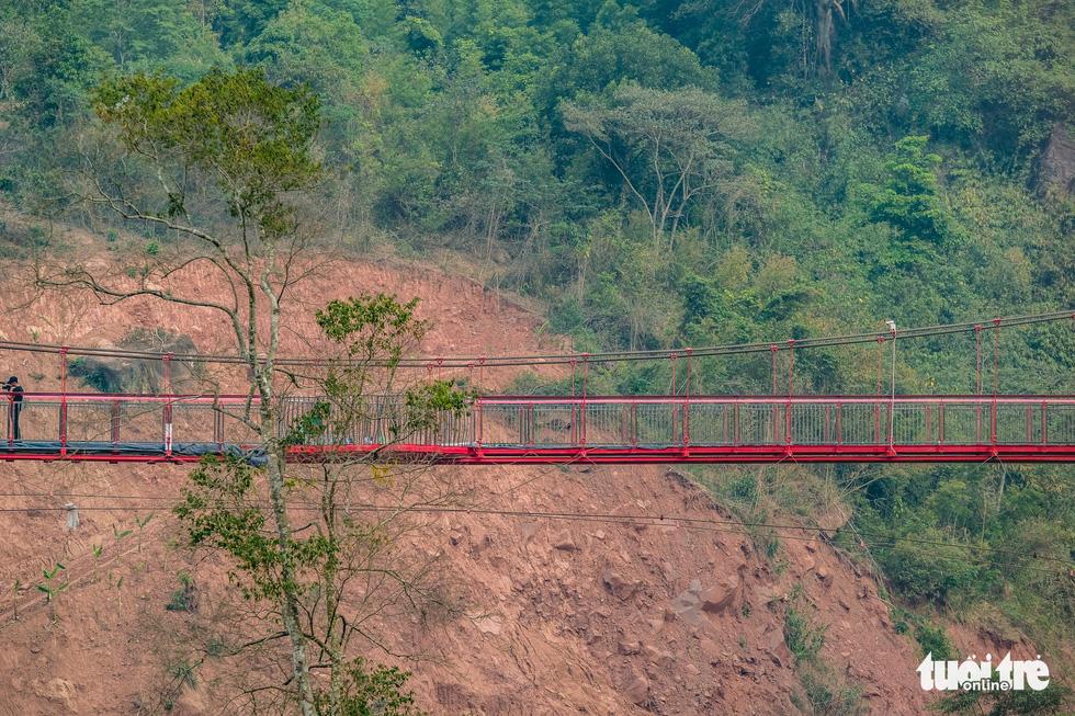 Cầu kính 5D dài 80m đầu tiên tại Việt Nam - Ảnh 5.