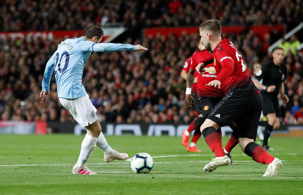 HLV Guardiola nhìn về chức vô địch sau trận derby Manchester - Ảnh 3.
