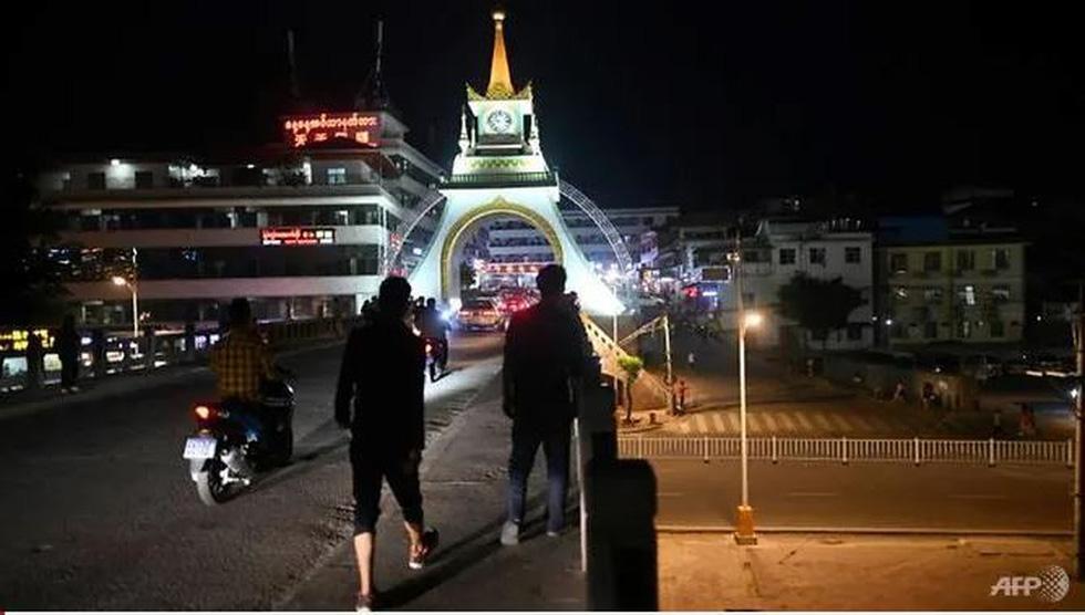 Thế giới ăn chơi thác loạn ở Myanmar giáp giới Trung Quốc - Ảnh 2.