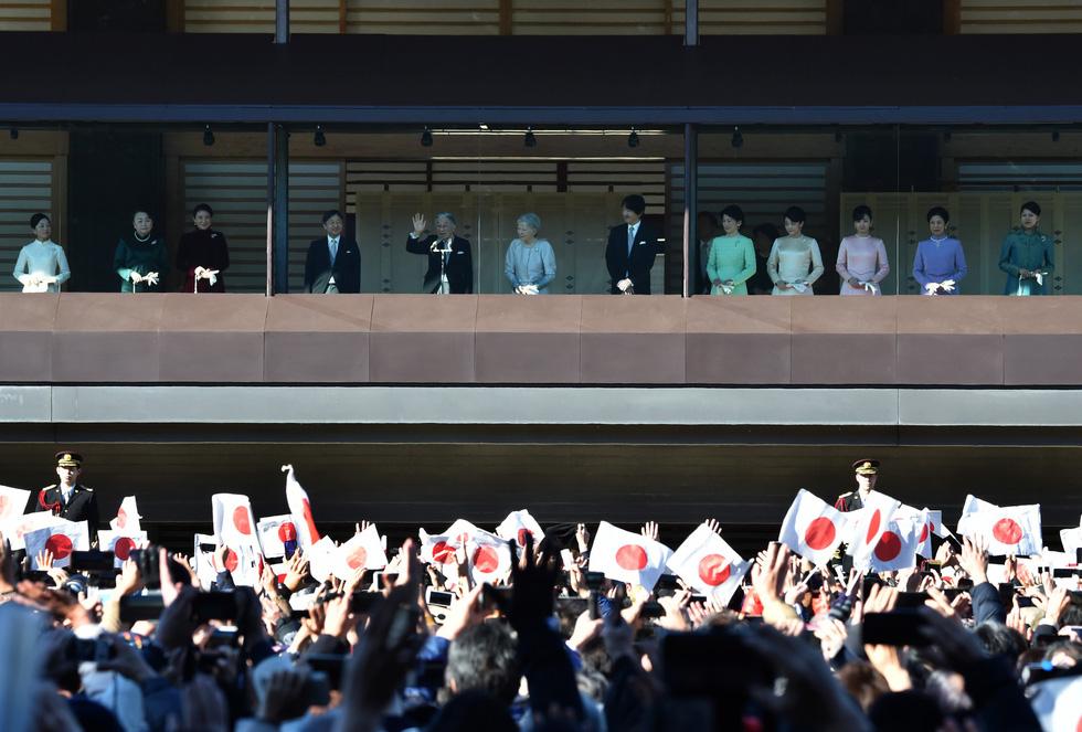 Những hình ảnh ghi dấu cuộc đời Nhật hoàng Akihito - Ảnh 26.