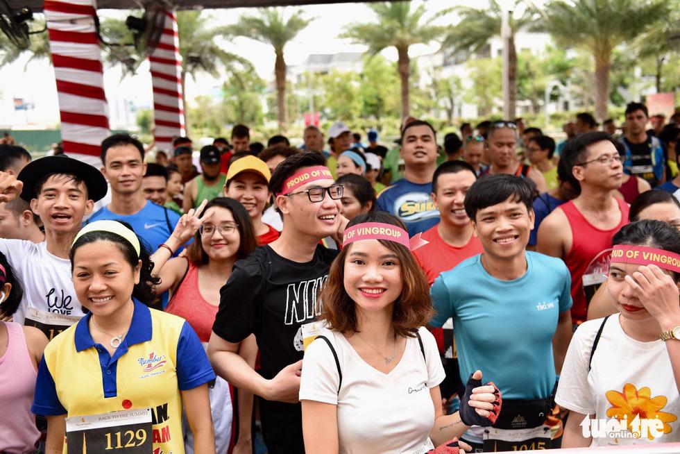 700 vận động viên tham gia cuộc đua 81 tầng - Ảnh 12.