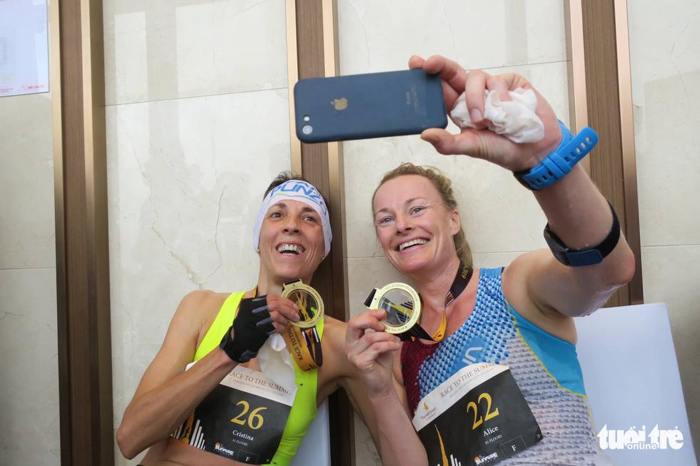 700 vận động viên tham gia cuộc đua 81 tầng - Ảnh 7.