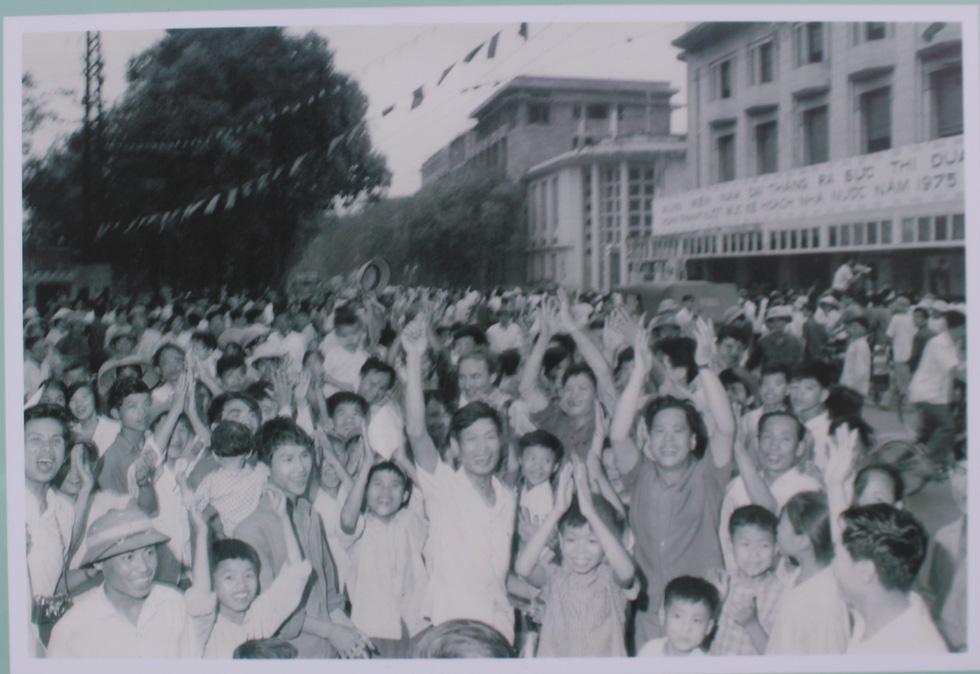 Ngắm những bức ảnh lịch sử vào ngày thống nhất đất nước - Ảnh 8.