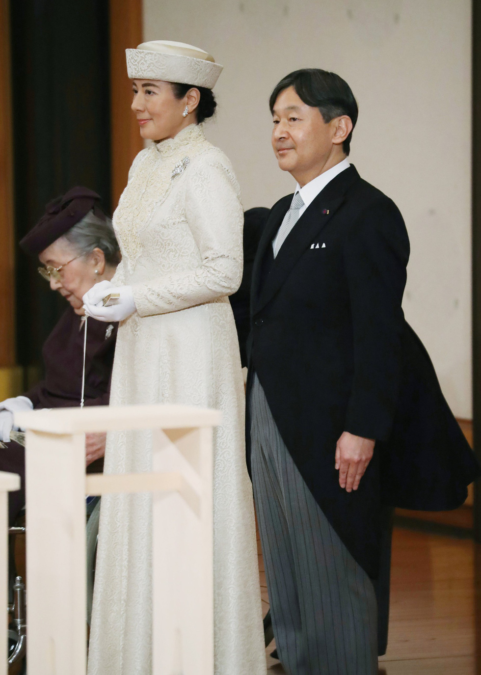 Nhật hoàng Akihito chính thức tuyên bố thoái vị, trở thành thượng hoàng - Ảnh 4.