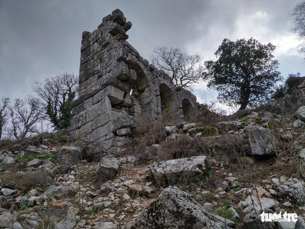 Nghe gió, ngắm mây trên những cổng đá ngàn năm của Termessos - Ảnh 3.
