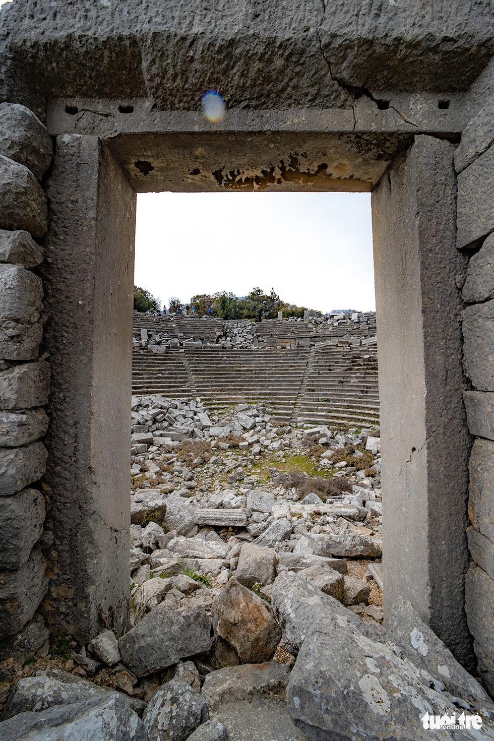Nghe gió, ngắm mây trên những cổng đá ngàn năm của Termessos - Ảnh 5.