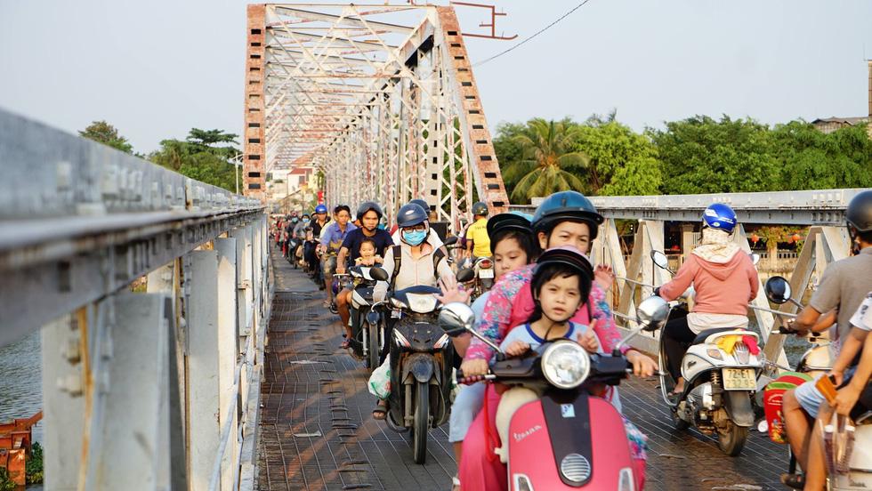 100 năm cầu sắt Phú Long - Ảnh 1.