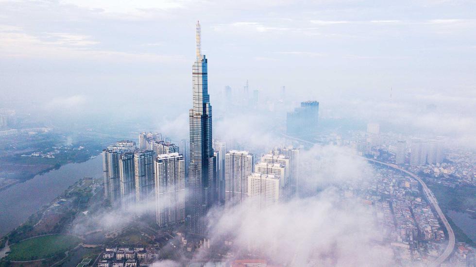Ngắm Sài Gòn từ độ cao 400m của tòa nhà Landmark 81 - Ảnh 1.