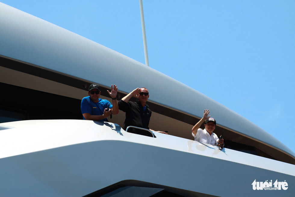 Du thuyền 150 triệu USD của ông chủ đội bóng Tottenham Hotspur cập cảng Tiên Sa - Ảnh 6.