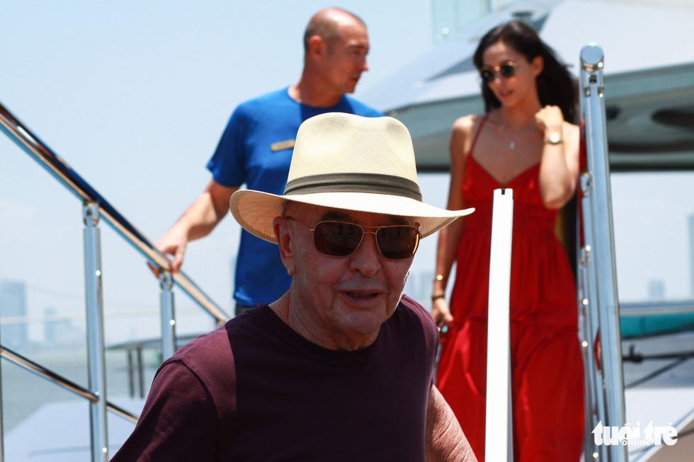 Du thuyền 150 triệu USD của ông chủ đội bóng Tottenham Hotspur cập cảng Tiên Sa - Ảnh 7.