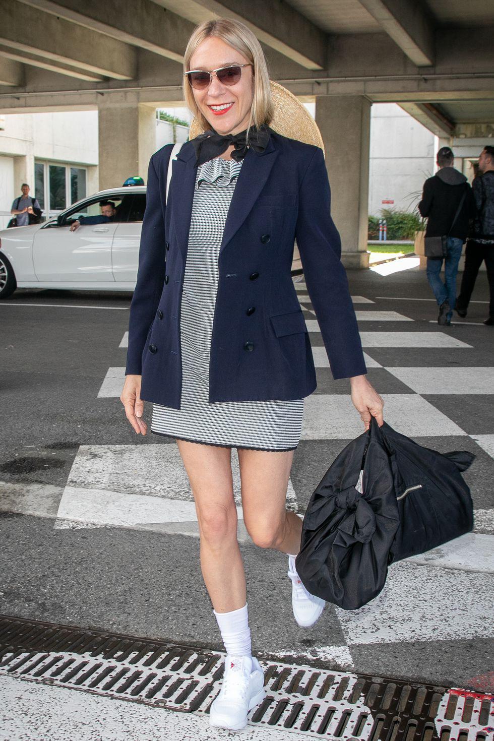 Thời trang sân bay của dàn sao đang ào ạt tới Cannes - Ảnh 7.