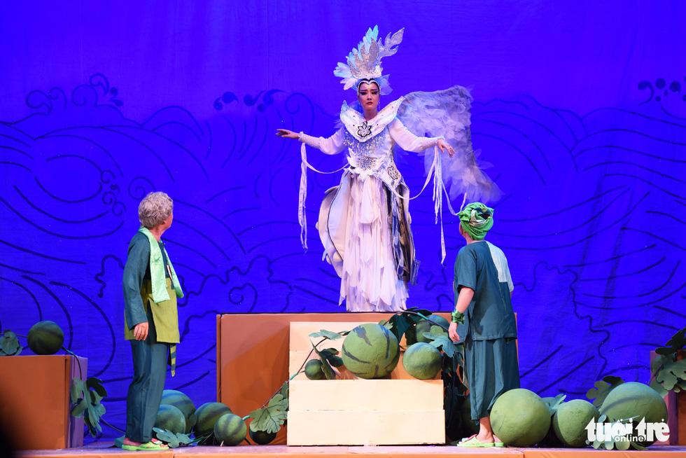 Những hình ảnh vui nhộn trong Truy tìm Thủy Long kiếm của kịch Idecaf - Ảnh 8.