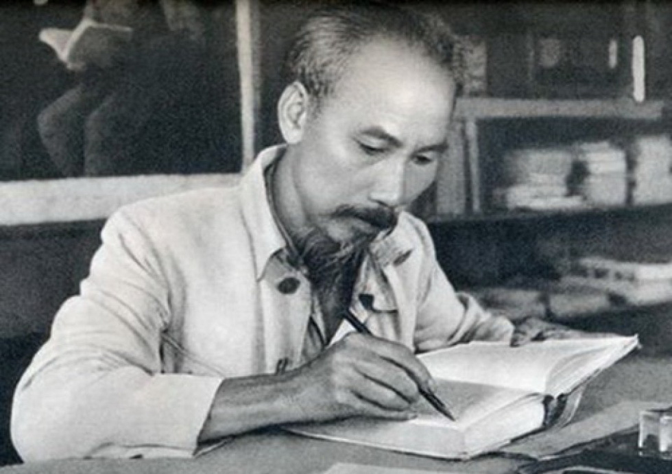 Di chúc Chủ tịch Hồ Chí Minh mang tầm vóc cương lĩnh xây dựng đất nước - Ảnh 1.