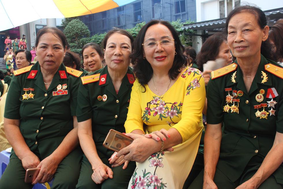 Kiêu hãnh 'những bông hồng thép' của đường Trường Sơn - Ảnh 18.