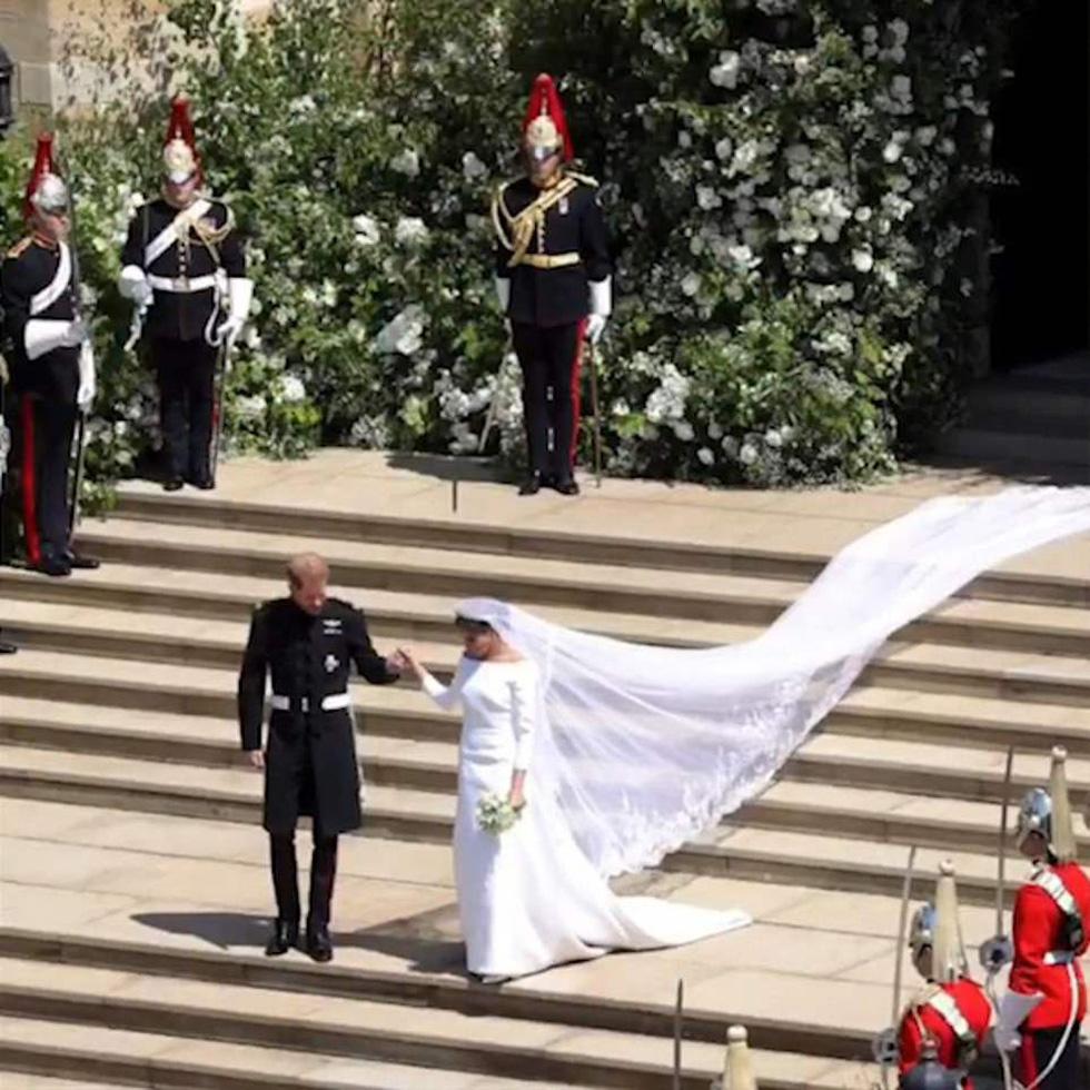 Dân Anh mê tít bộ ảnh một năm ngày cưới của vợ chồng hoàng tử Harry - Ảnh 9.