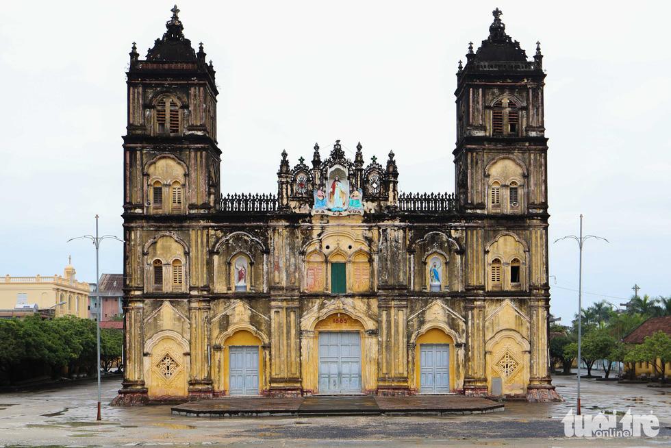 Ngắm hình ảnh nhà thờ Bùi Chu đẹp ngỡ ngàng sắp hạ giải - Ảnh 13.