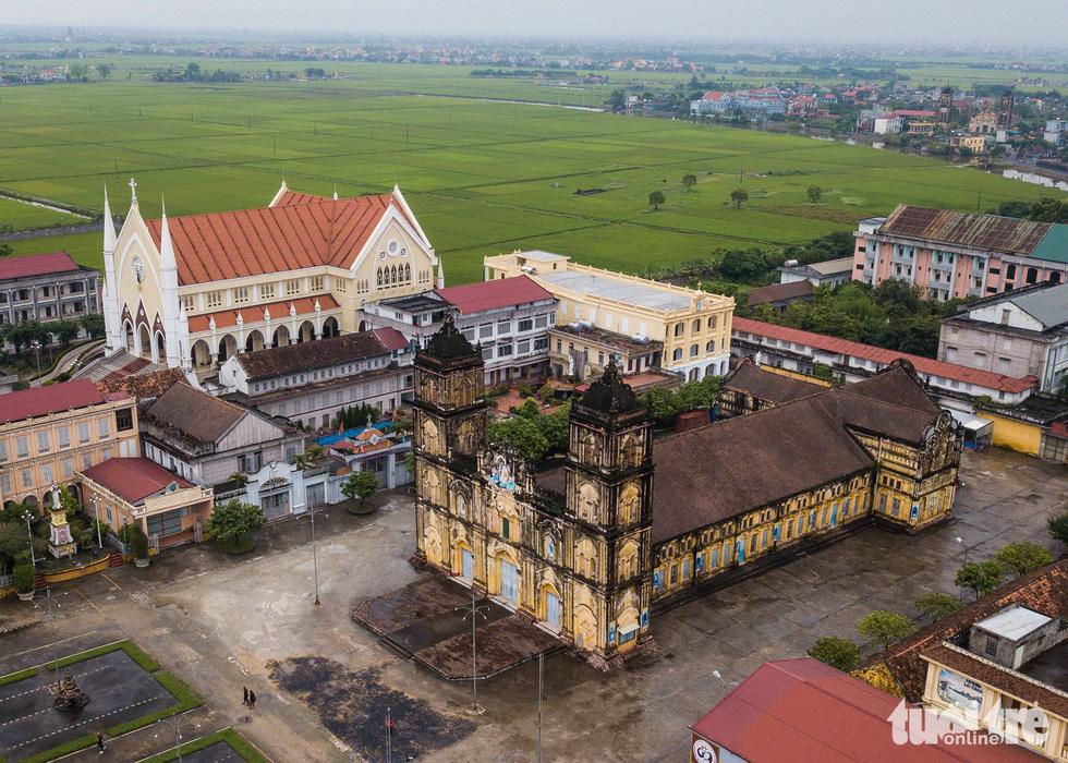 Ngắm hình ảnh nhà thờ Bùi Chu đẹp ngỡ ngàng sắp hạ giải - Ảnh 2.