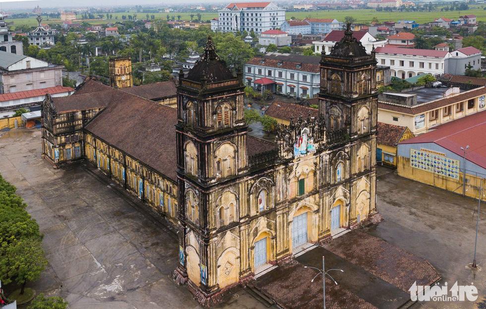 Ngắm hình ảnh nhà thờ Bùi Chu đẹp ngỡ ngàng sắp hạ giải - Ảnh 3.