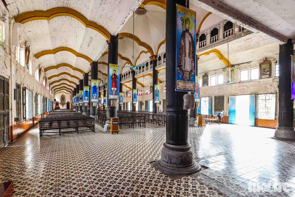 Ngắm hình ảnh nhà thờ Bùi Chu đẹp ngỡ ngàng sắp hạ giải - Ảnh 7.