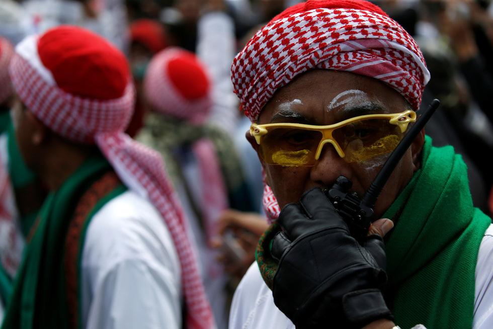 Chính quyền Indonesia: Nhóm biểu tình bạo loạn là 'lưu manh được trả tiền' - Ảnh 3.