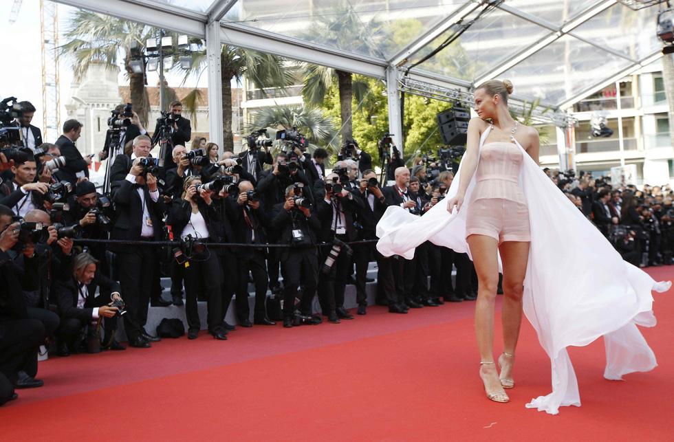 Những trang phục sexy nhất ở Cannes năm nay - Ảnh 7.