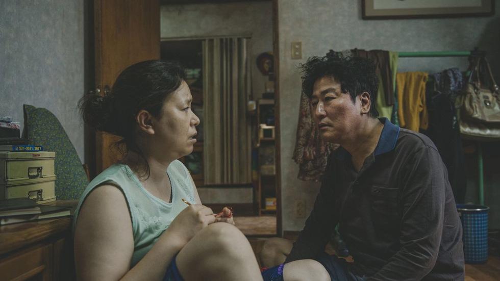 Parasite - Cành cọ vàng Cannes 2019 - bi thảm, hồi hộp và đẫm máu - Ảnh 7.