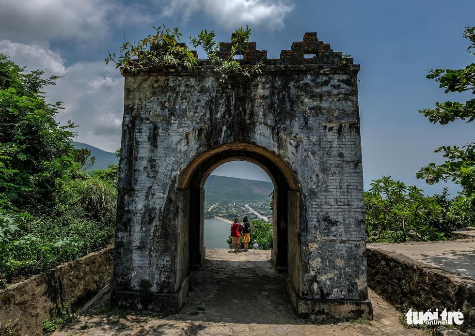 Lên đỉnh đèo Ngang khám phá 'cổng trời' bị lãng quên - Ảnh 9.