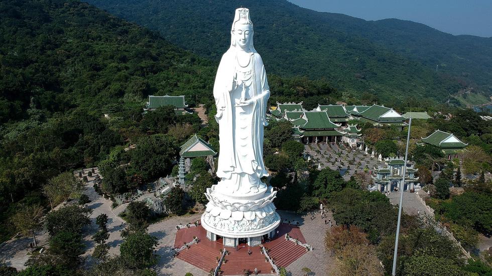 CNN chọn ảnh tượng Phật ở Đà Nẵng vào top 50 ảnh du lịch đẹp - Ảnh 2.