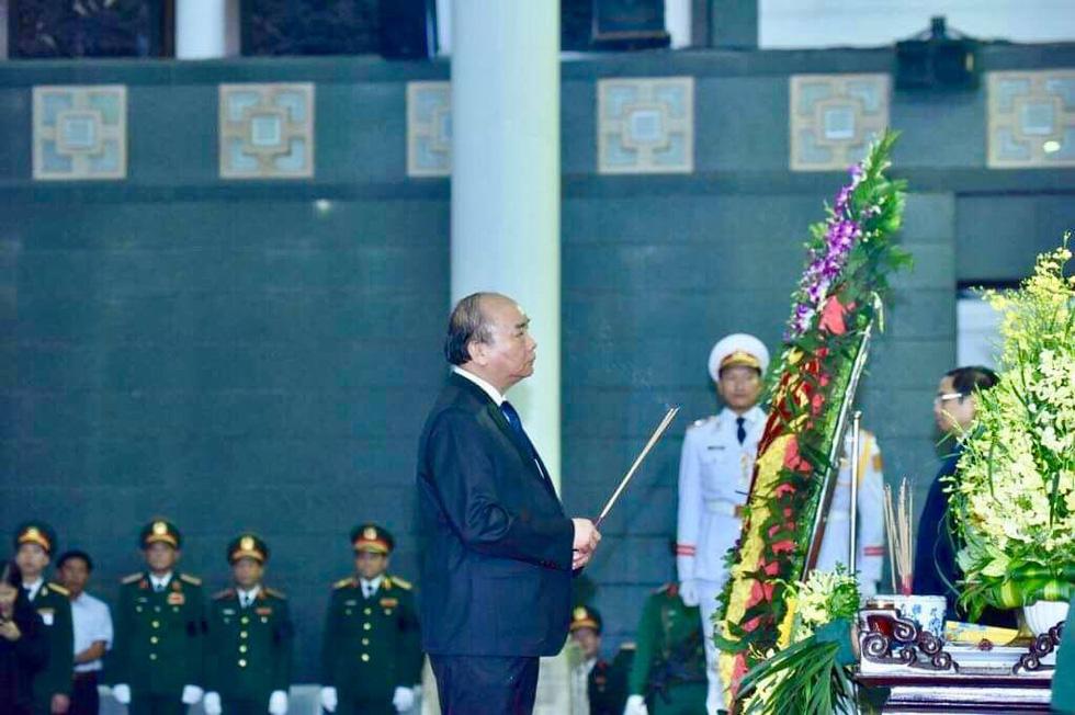 Lễ viếng nguyên Chủ tịch nước Lê Đức Anh - Ảnh 6.