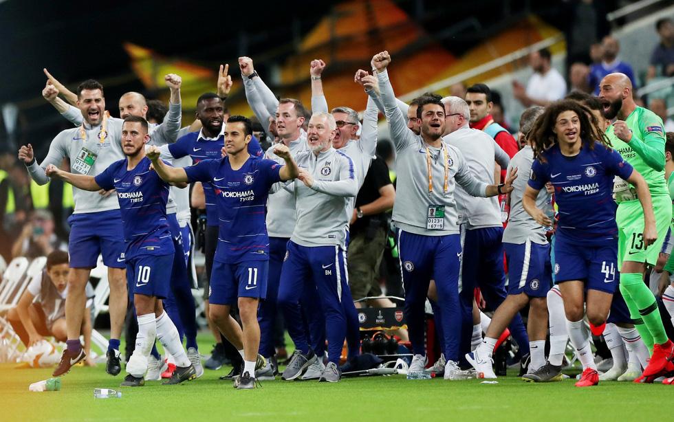 Chelsea tưng bừng ăn mừng chức vô địch Europa League - Ảnh 3.