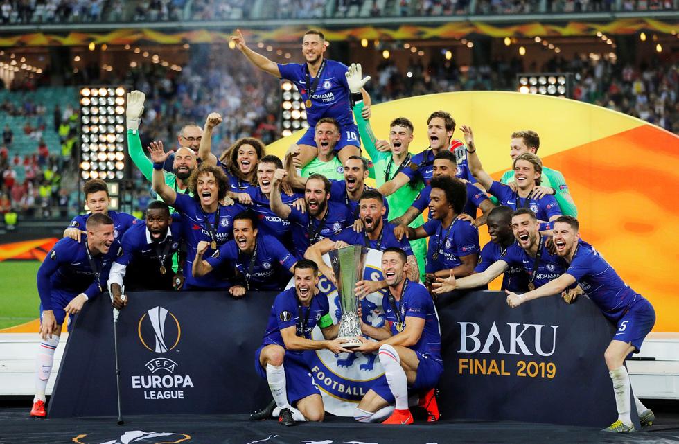 Chelsea tưng bừng ăn mừng chức vô địch Europa League - Ảnh 6.