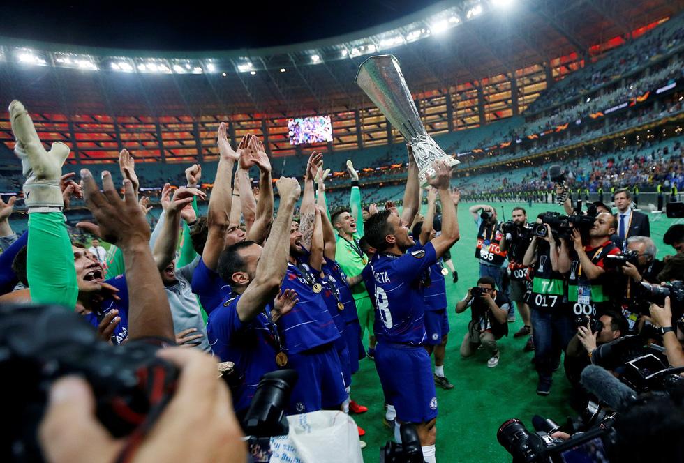 Chelsea tưng bừng ăn mừng chức vô địch Europa League - Ảnh 13.
