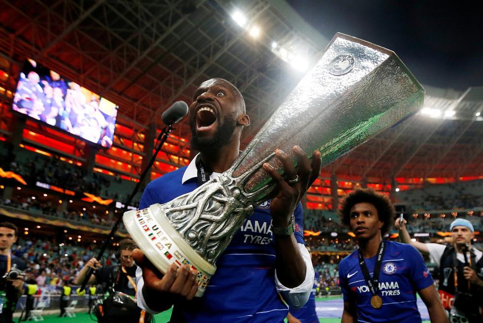 Chelsea tưng bừng ăn mừng chức vô địch Europa League - Ảnh 11.