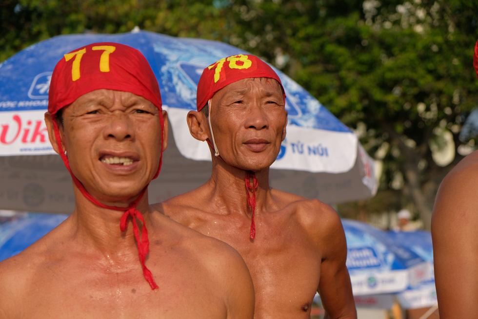 Cứu hộ viên xuất sắc của các bãi biển lớn tụ về Nha Trang tranh tài - Ảnh 10.