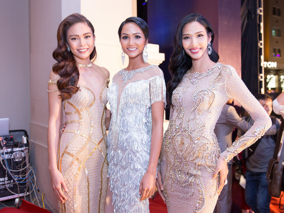 Hoàng Thùy đại diện Việt Nam tham dự Miss Universe 2019 - Ảnh 3.