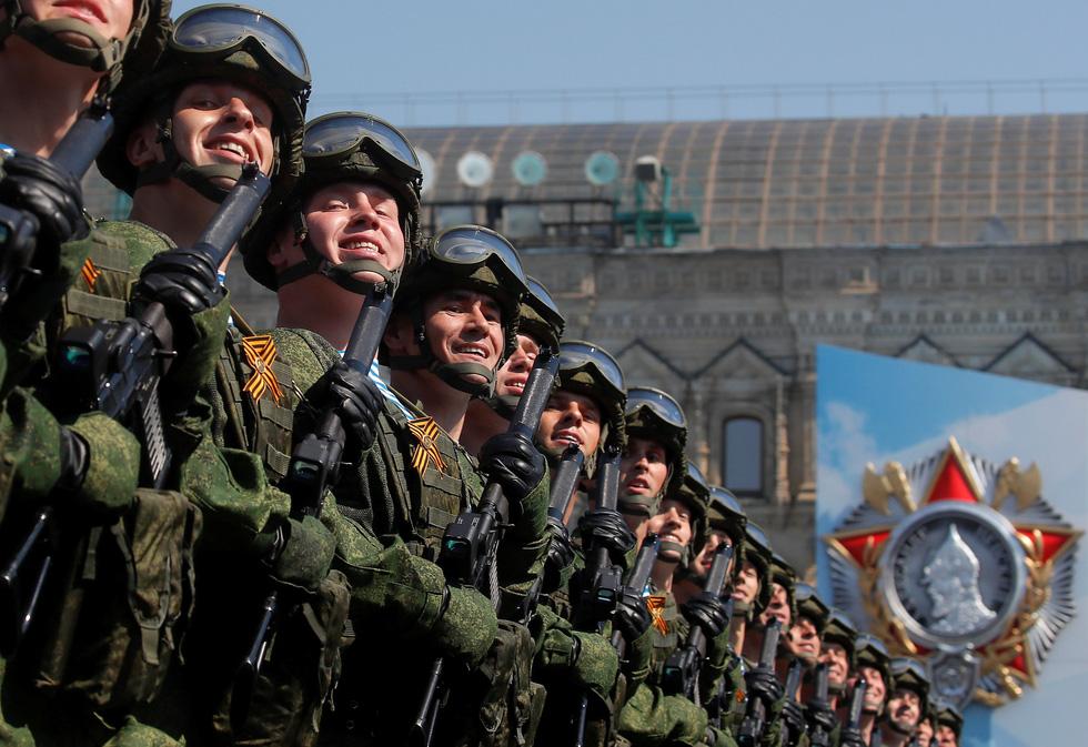 Nga trình diễn nhiều loại vũ khí mới trong duyệt binh Ngày chiến thắng - Ảnh 3.