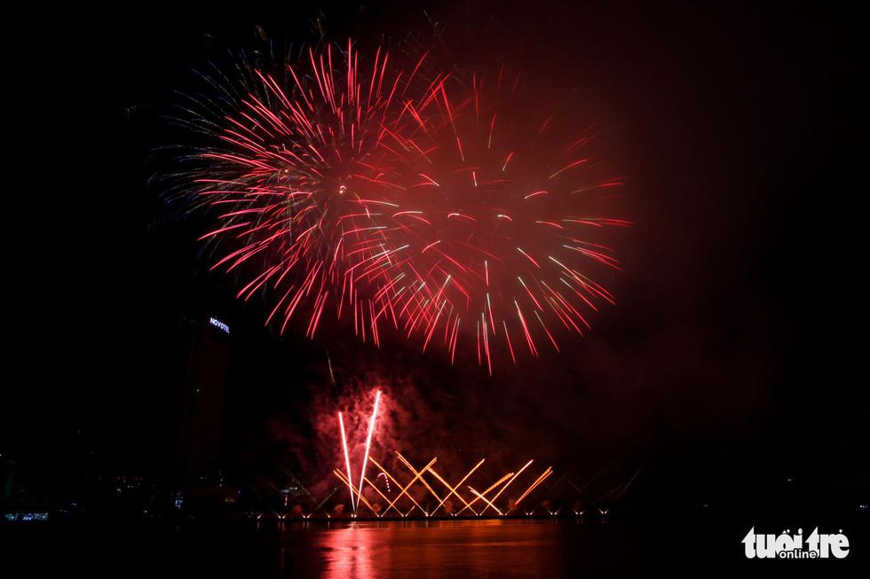 Việt - Nga chạm trán đêm khai mạc Lễ hội pháo hóa quốc tế Đà Nẵng 2019 - Ảnh 4.