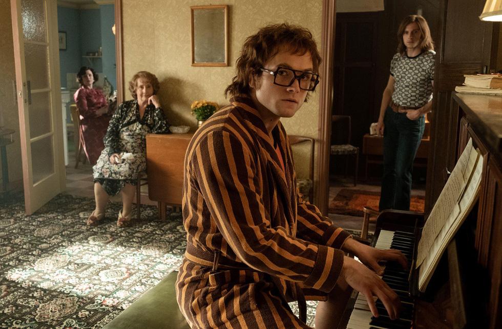 9 ca khúc làm nên tên tuổi Elton John sẽ xuất hiện trong Rocketman - Ảnh 2.