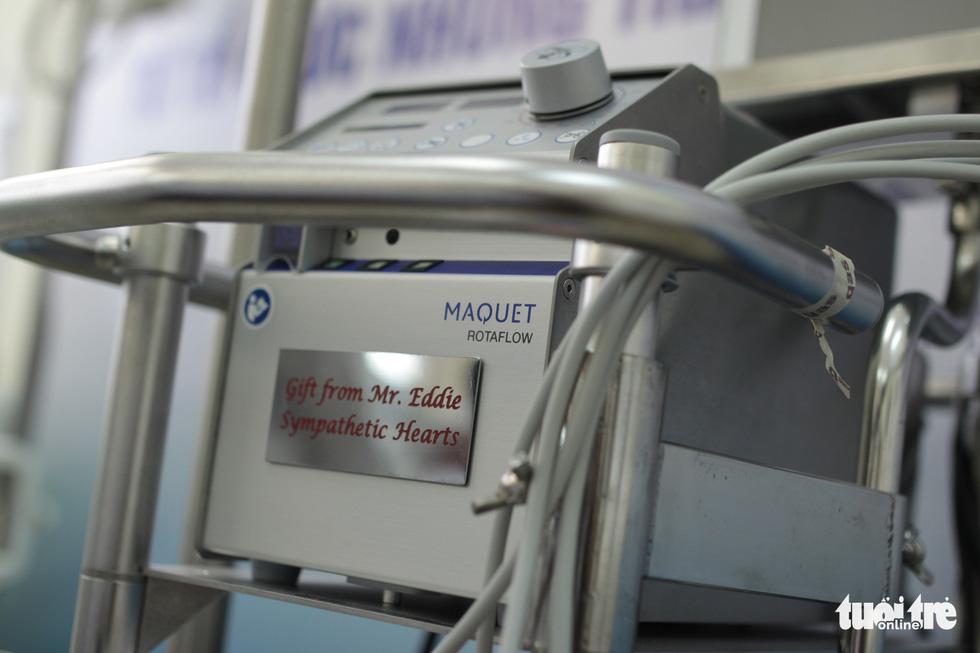 Nhà hảo tâm Úc tặng máy ECMO và 5 lồng ấp sơ sinh hơn 4 tỉ đồng - Ảnh 4.